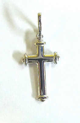 9ct  White Gold Fancy Cross                                               A70200
