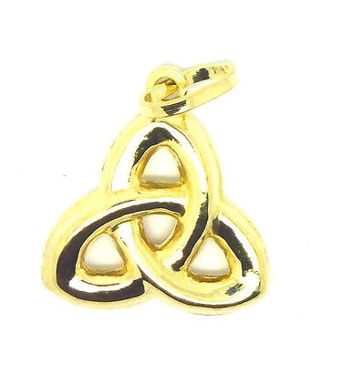 9ct Yellow Gold Celtic Knot Pendant                                         8921