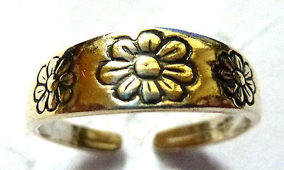 Sterling Silver Flower Patterned Toe Ring                                   8731