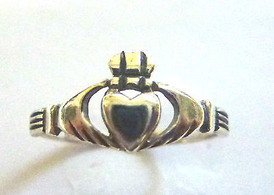 Sterling Silver Ladies/ Teenager Claddagh Ring                            B89525